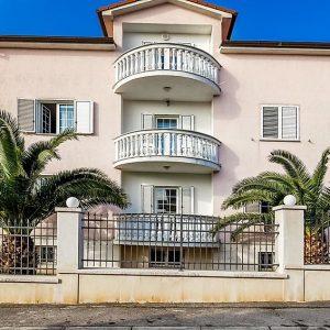 A4 (Villa Ori)